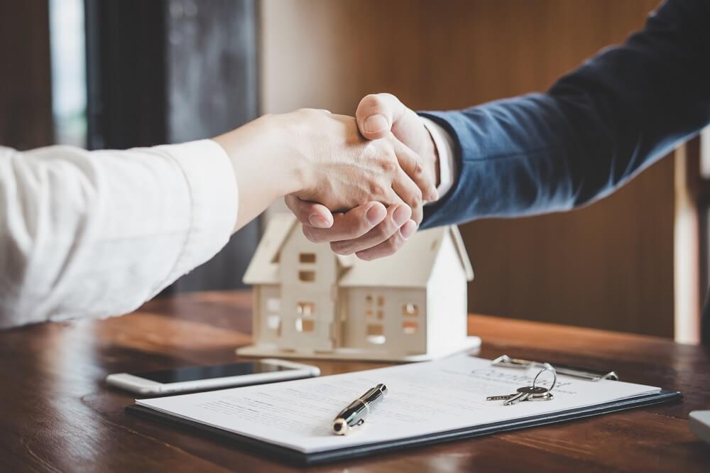 中小企業診断士と宅建のダブルライセンス